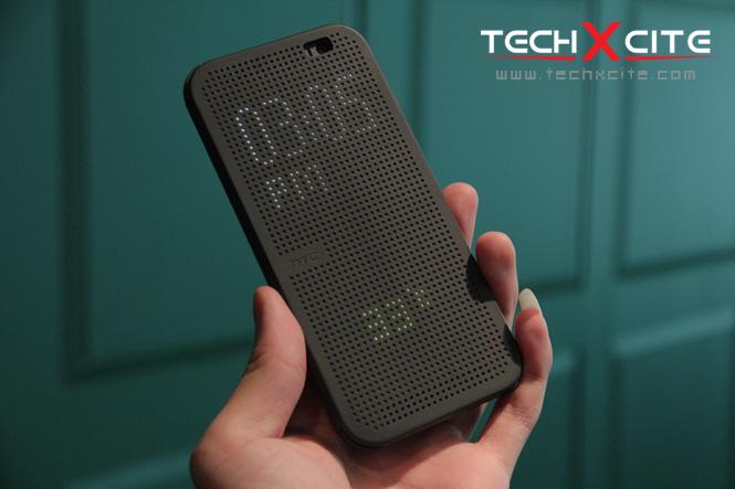 เรื่องสุดท้ายที่จะพูดถึงในพรีวิวนี้คงเป็นอุปกรณ์เสริมสำหรับ HTC One M8  อย่าง HTC Dot View หรือ Flip Case สุดแนวที่เปิดตัวพร้อมกับ HTC ...