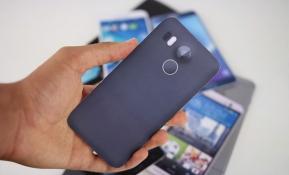 Mobile : เปรียบเทียบขนาดตัวเครื่อง Nexus 5 ใหม่ (Mock Up) กับเหล่าสมาร์ทโฟนเรือธงในปัจจุบัน !! (มีคลิป)